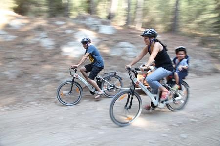 טו בשבט - אופניים חשמליים ביער הזורע